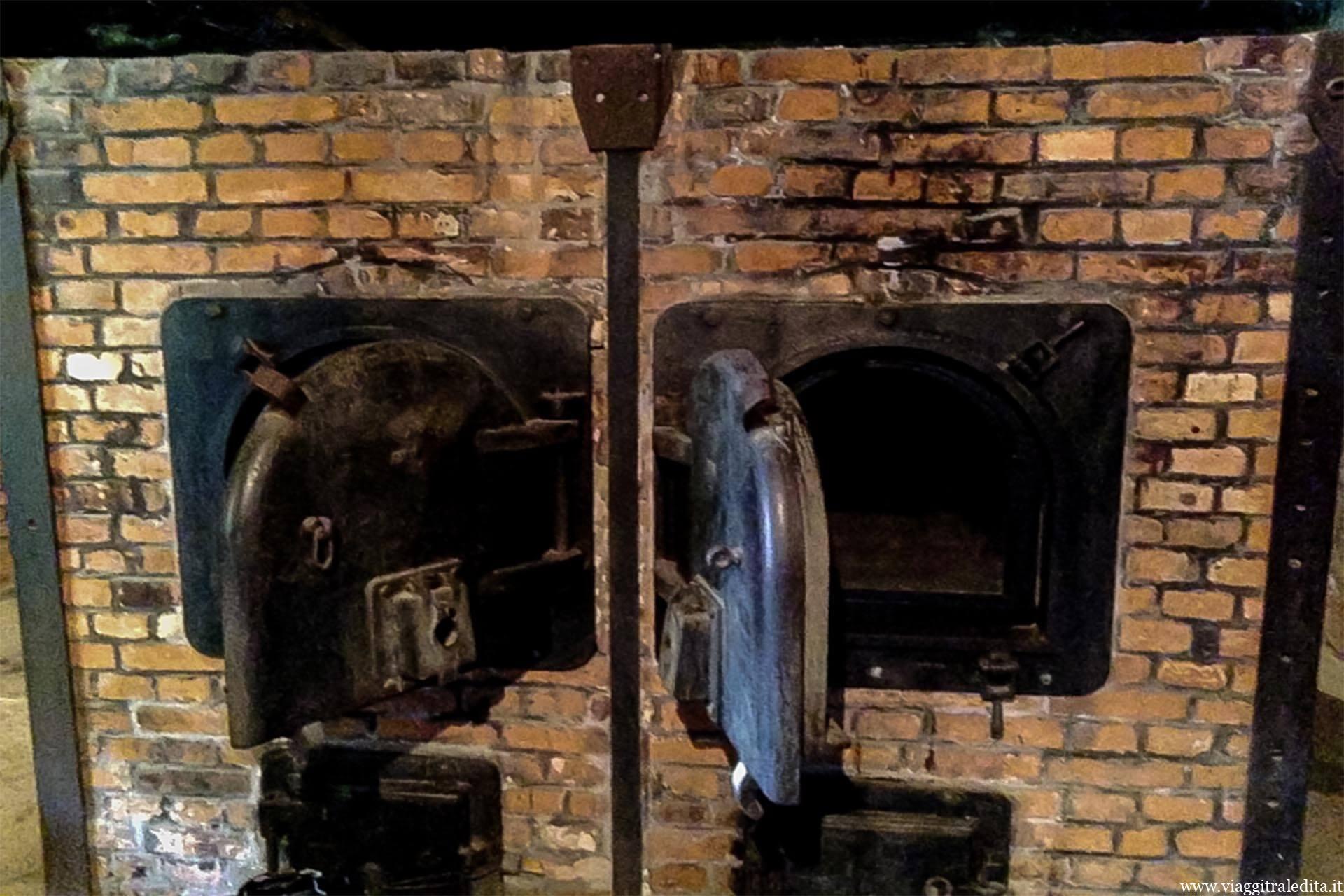 forni crematori auschwitz